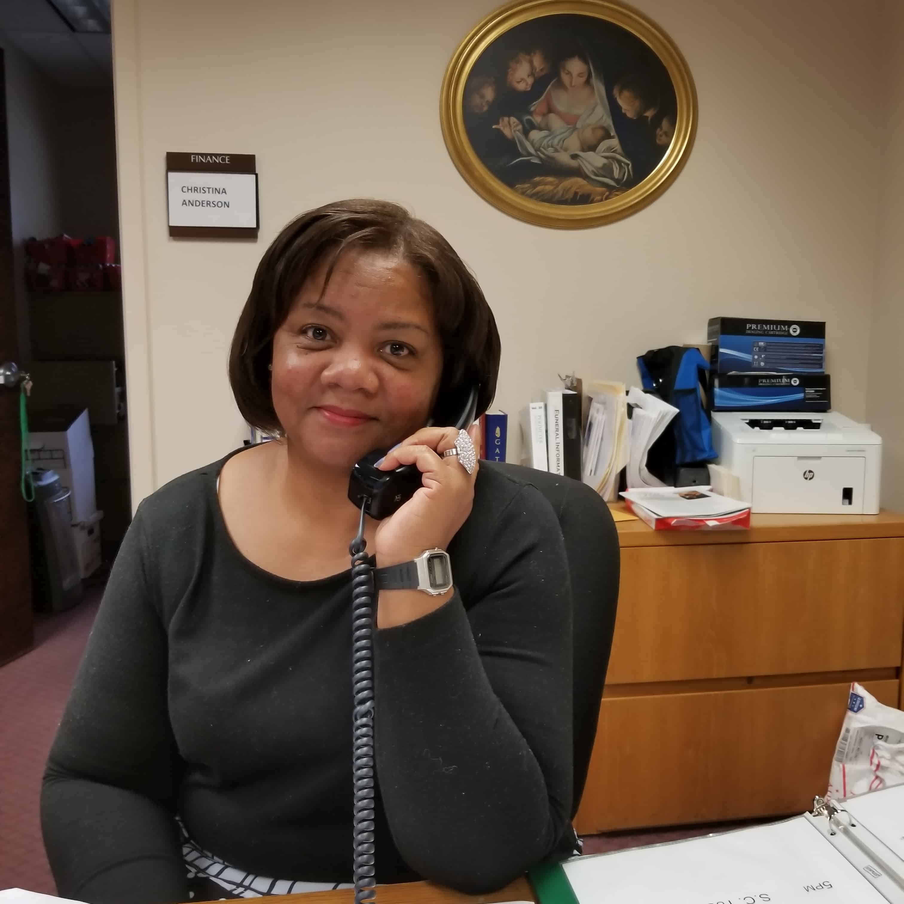 Carolyn Bell : Administrative Assistant