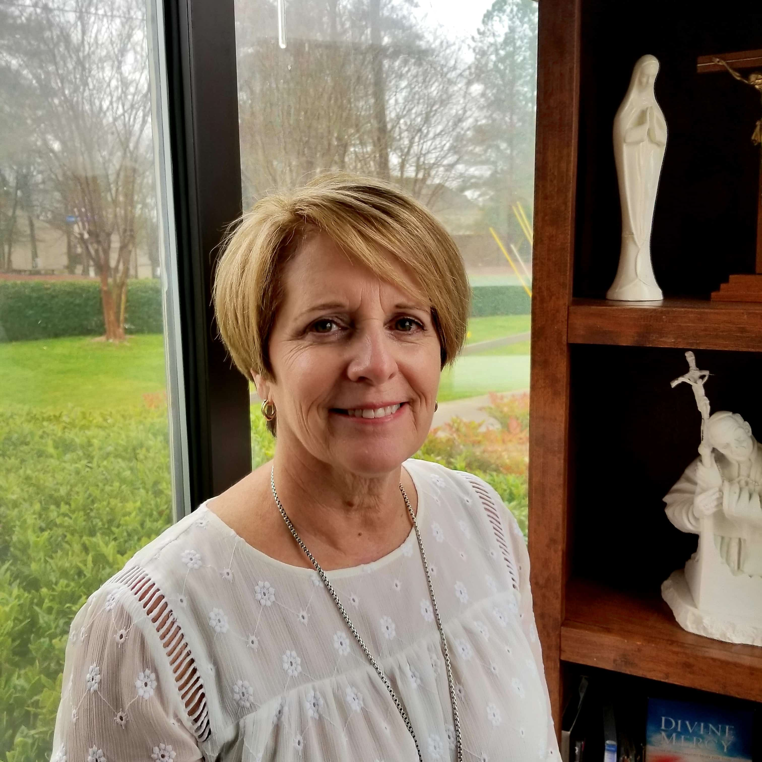 Jeanne Bell : Parish Administrator