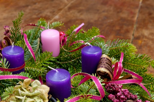 Make an Advent Wreath with your Family