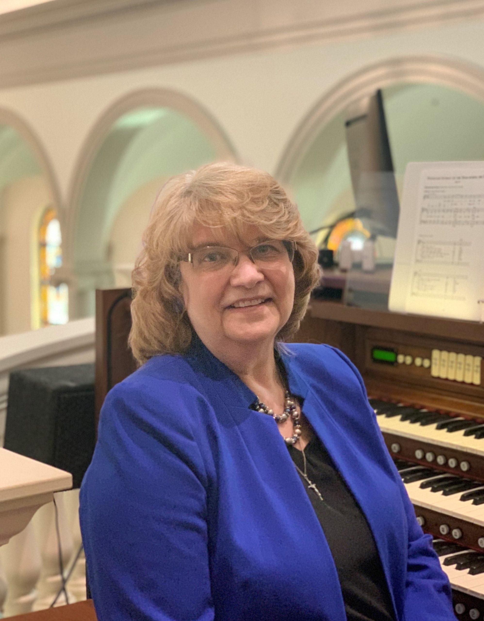 Anne Boshinski : Director of Music